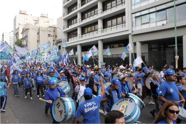 Primera paritaria anual: UTEDYC firmó 30% en dos tramos