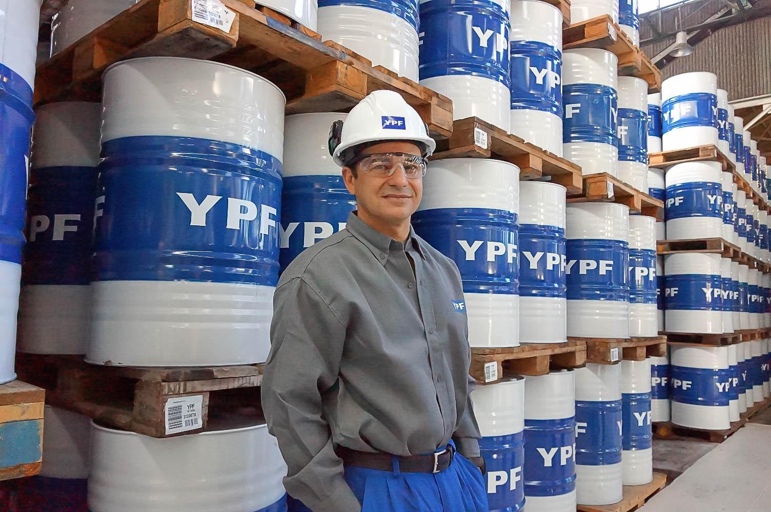 Petroleros festejan la recuperación de YPF