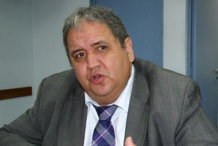 El jefe de los bancarios pide la salida de Moyano