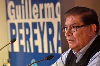 Pereyra junta a Moyano y al gobierno nacional