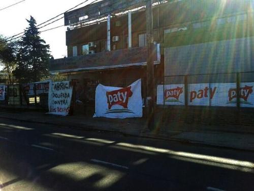 Sigue el bloqueo de trabajadores de Paty