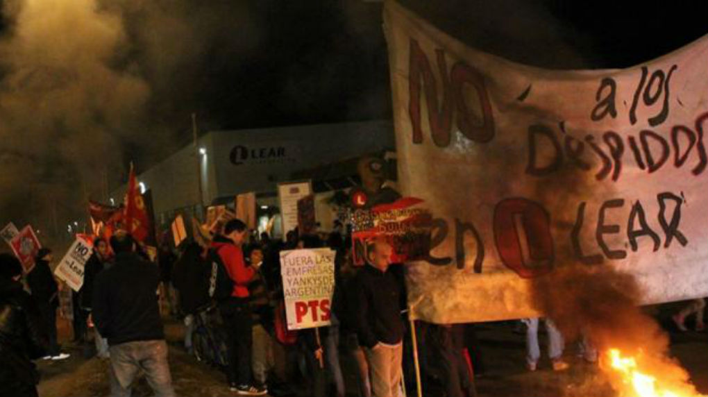 Trabajadores de Lear sacan el conflicto a la calle