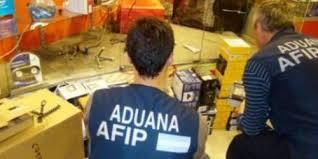 Paro por salarios frenados en la Aduana