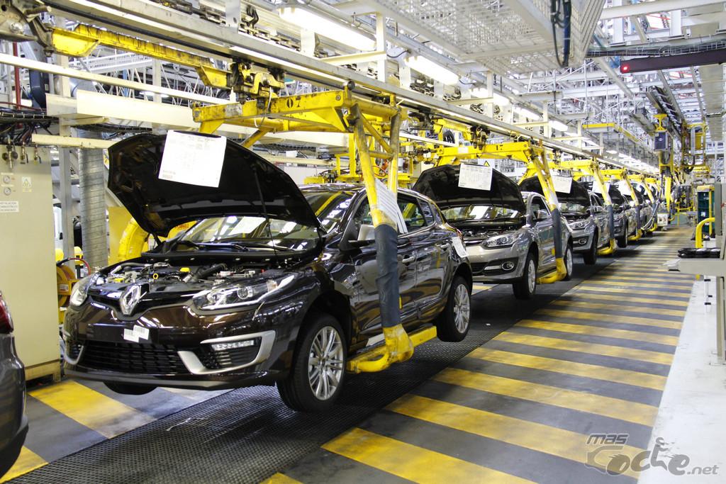 Se normaliza el trabajo en la planta de Renault