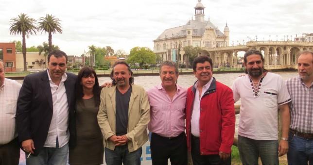 Con una pata sindical Uribarri desafió a Massa