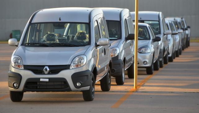400 desvinculaciones en automotrices cordobesas