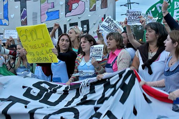 Docentes bonaerenses protestarán en el obelisco