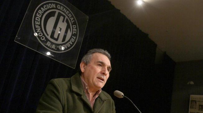 Schmid reclamará 44% en paritarias
