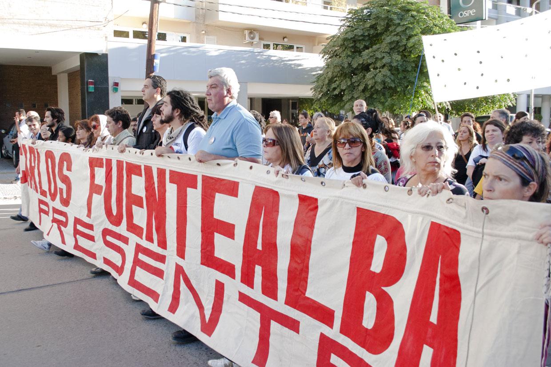 Fuentealba: seguirán buscando responsables políticos