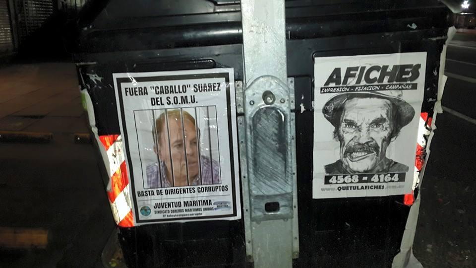 """Afiches contra """"Caballo"""" Suarez"""