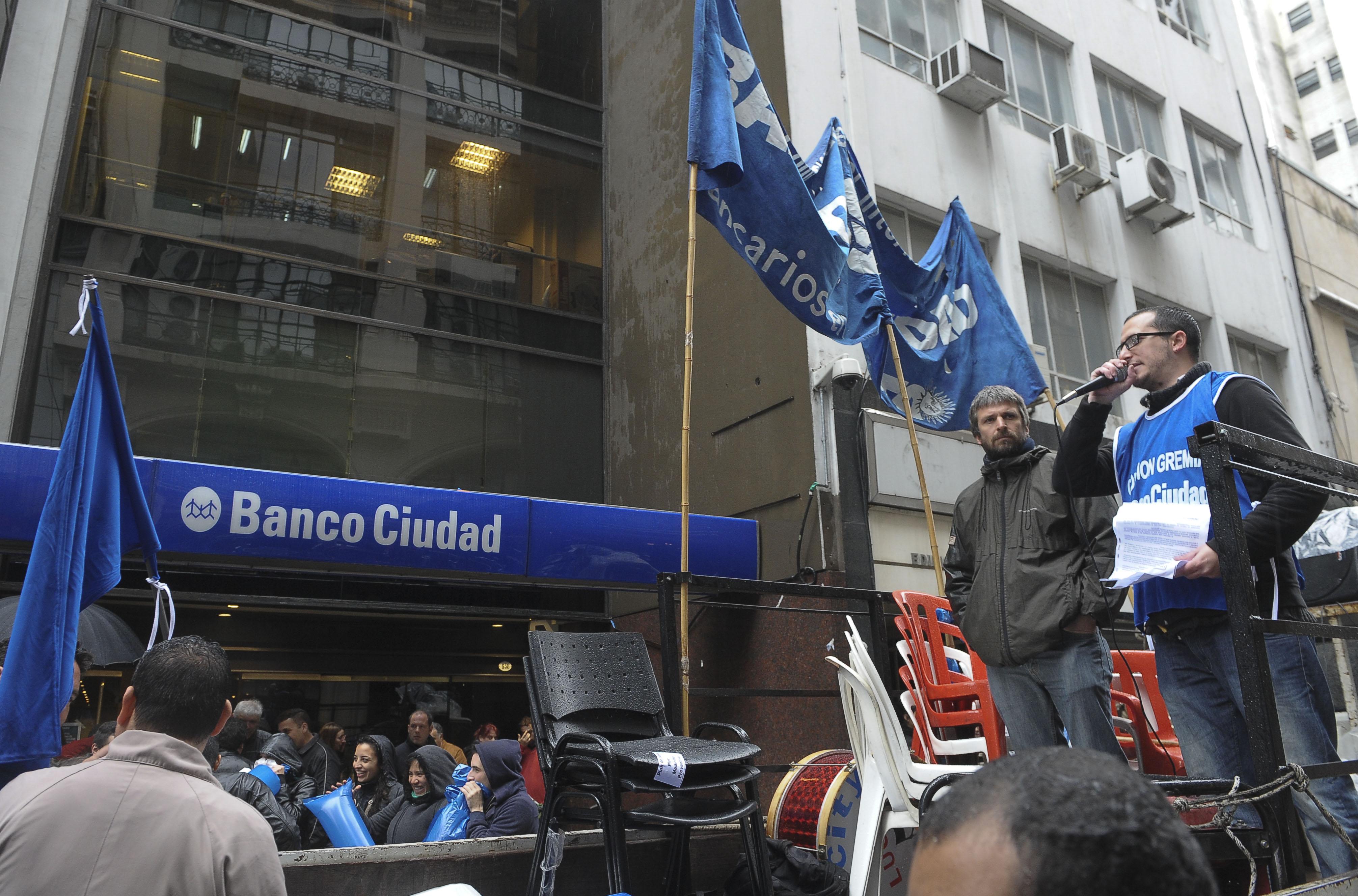 Pararon los trabajadores del Banco Ciudad