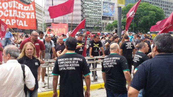 """Marcha a la UIA con críticas a la """"burocracia sindical"""""""