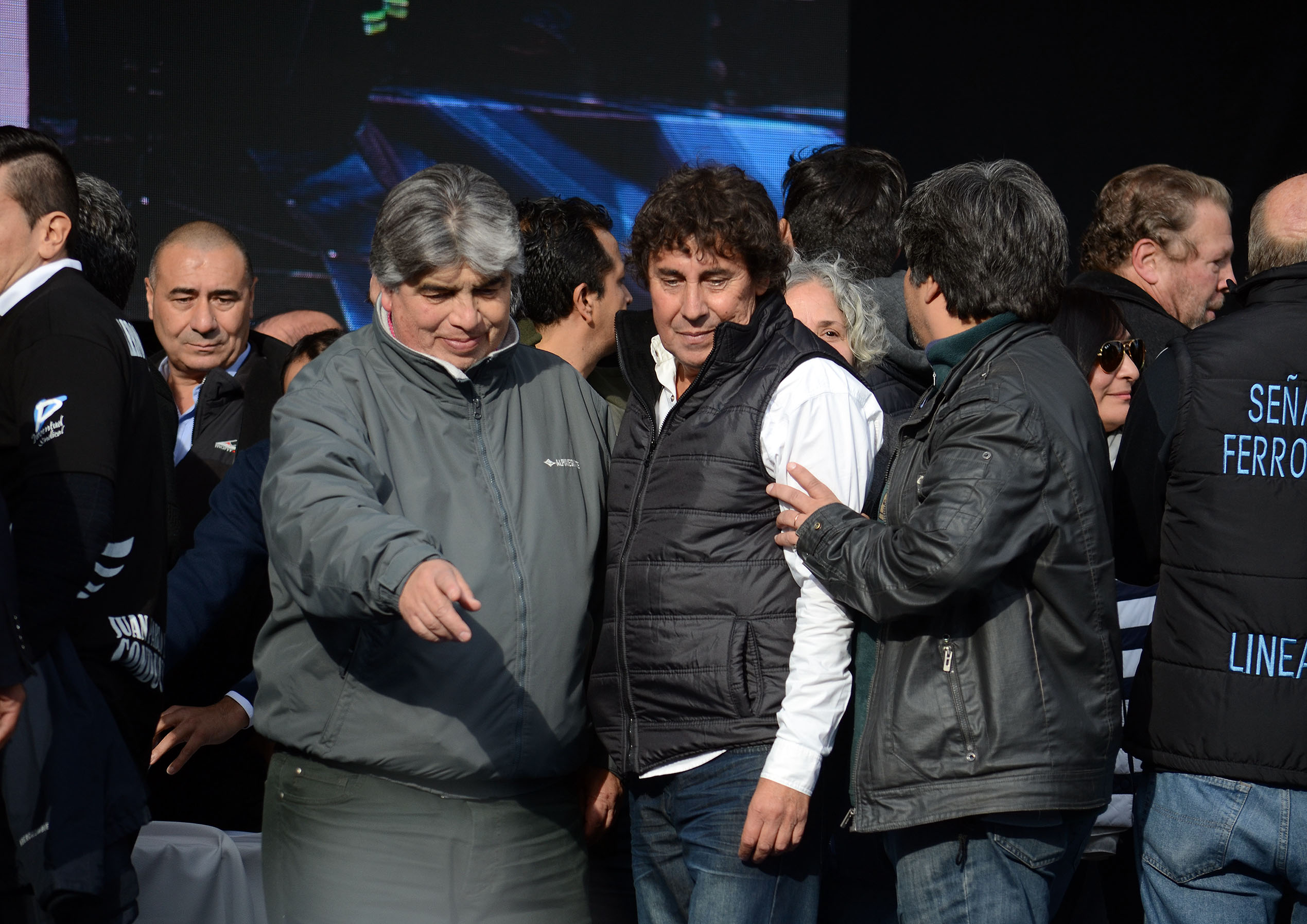 Micheli cruzó a los opositores y señaló no es momento de internas