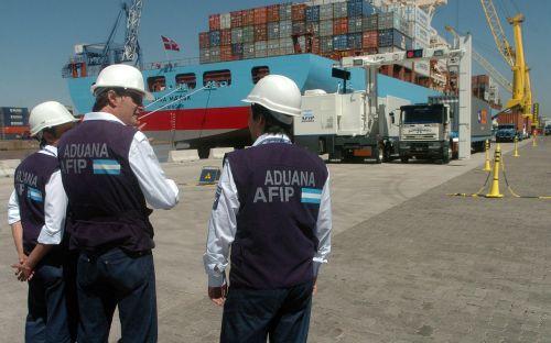 Trabajadores de aduana firmaron 31% en paritarias