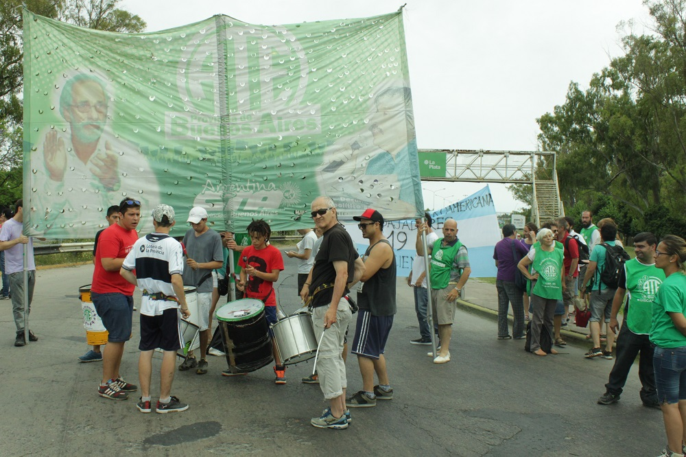 Marcha contra despidos y falta de trabajo en Patagones