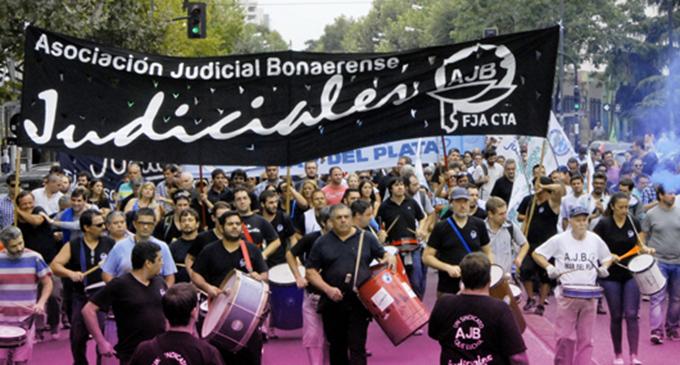 Los judiciales se suman al paro y le piden a Vidal que reabra la paritaria
