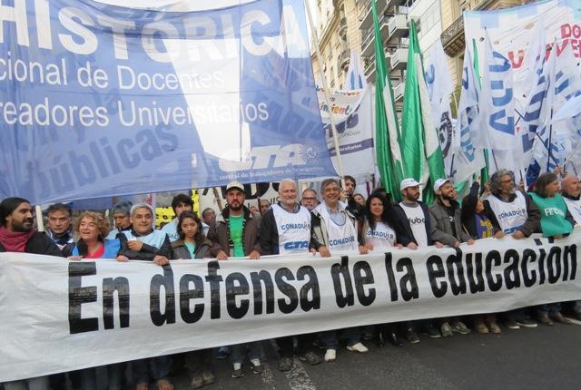 Conadu Histórica pide reapertura de paritarias y convoca a una marcha docente