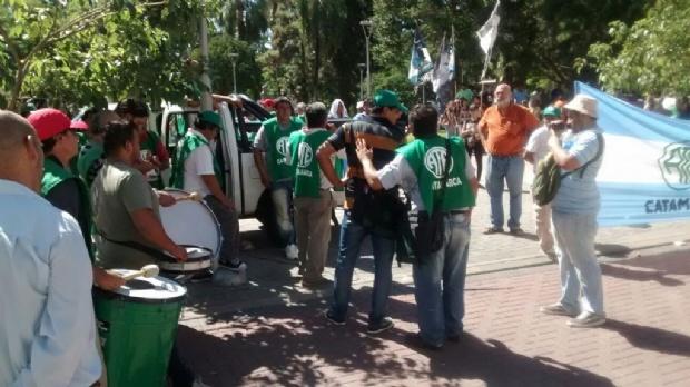 Estatales piden reapertura de paritarias en Catamarca