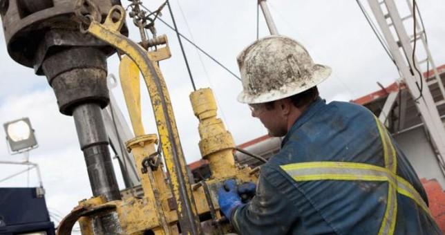 Pese a los subsidios millonarios, siguen los despidos de petroleros