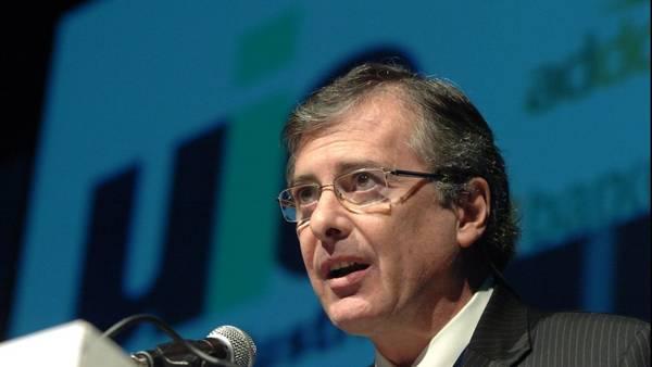 La UIA manda a los gremios a negociar el bono por actividad