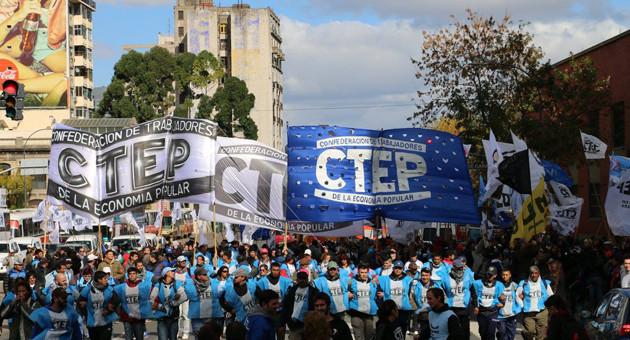 La CTEP dice que los informales no pueden esperar los tiempos de la CGT