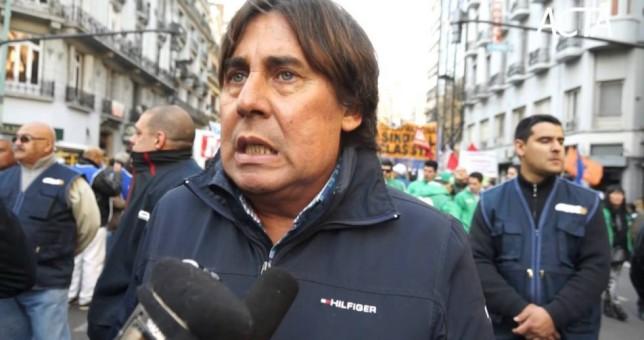 Micheli denunció que la policía le apuntó a su hijo de 12 años