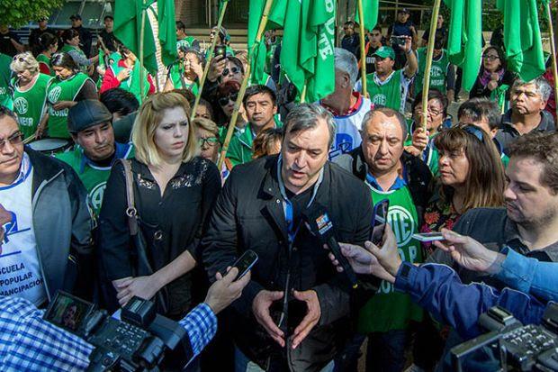Criminalización de la protesta: La justicia ordenó la captura del titular y otros dirigentes de ATE Río Negro
