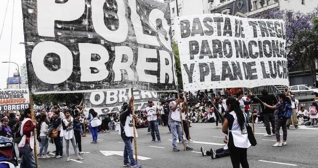 """Cooperativistas marcharon por un """"aguinaldo social"""""""