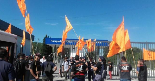 UOM Quilmes bloqueó el ingreso al Parque Industrial por despidos y trabajo en negro