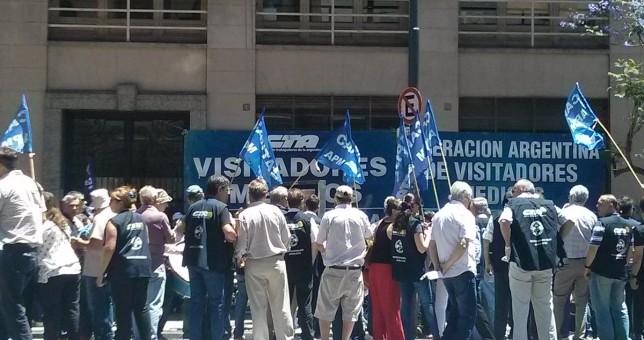 Con las paritarias estancadas, visitadores médicos movilizaron a Trabajo