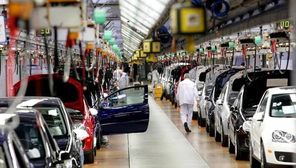 Este año se fabricarán 100 mil autos menos y hay temor por despidos masivos