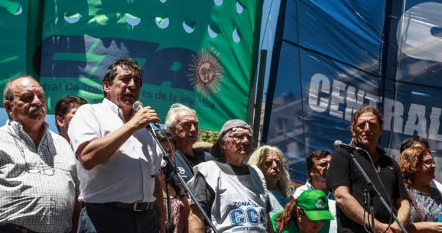 """""""Macri, la pobreza no se llora, se combate con políticas públicas"""""""