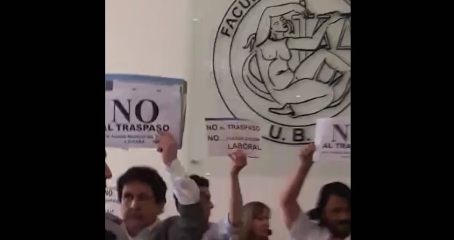 Garavano organizó una acto por el traspaso de la justicia laboral y terminó escrachado