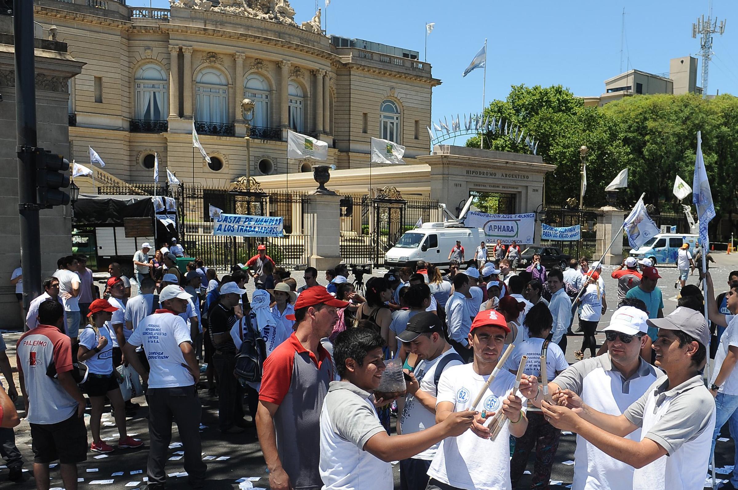 Reviven el impuesto al juego y los trabajadores lanzan una protesta nacional por temor a despidos