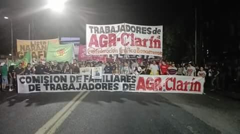Trabajadores de AGR bloquearon la salida de Clarín y recibieron el apoyo del Indio