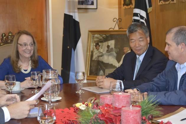 Alicia Kirchner se reunió con gremios petroleros