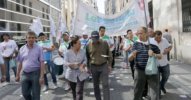 Jaque a Triaca y los bancos: otro fallo obliga a pagar las paritarias a bancarios