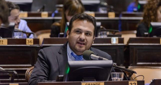 Diputados le piden informes a Vidal sobre el estado del conflicto docente