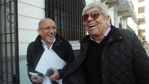 """""""Ratificamos al triunvirato al frente de la CGT"""""""