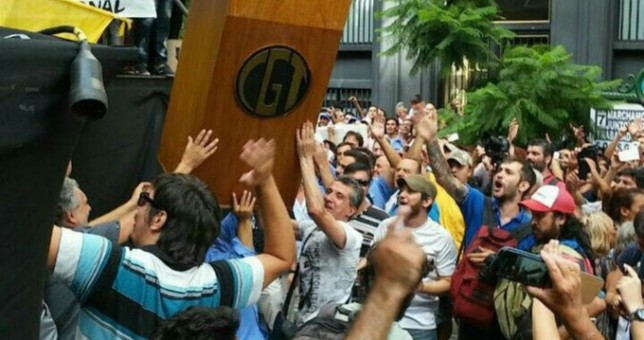 """El relato de un obrero que copó el palco de la CGT: """"Fue un acto de justicia"""""""