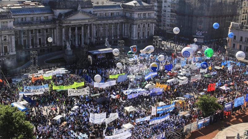"""""""El martes habrá un país en las calles"""""""