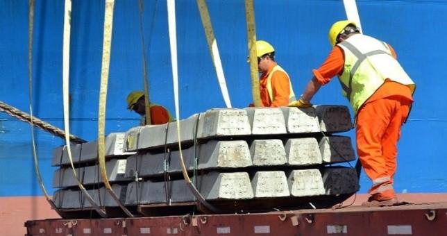 Paralizaron los puertos santafecinos por la muerte de un trabajador
