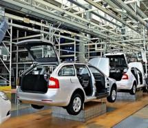Mientras arrecian las suspensiones, se derrumba la producción automotriz