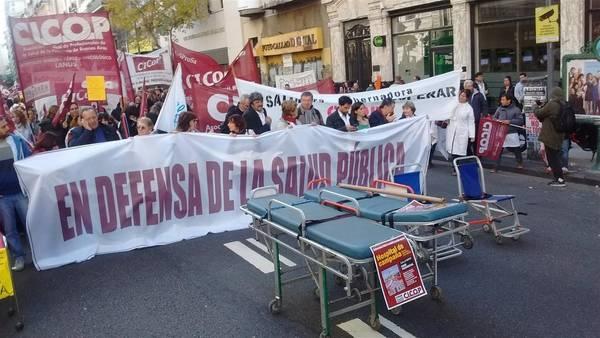 Médicos vuelven a paralizar los hospitales en tierras de Vidal
