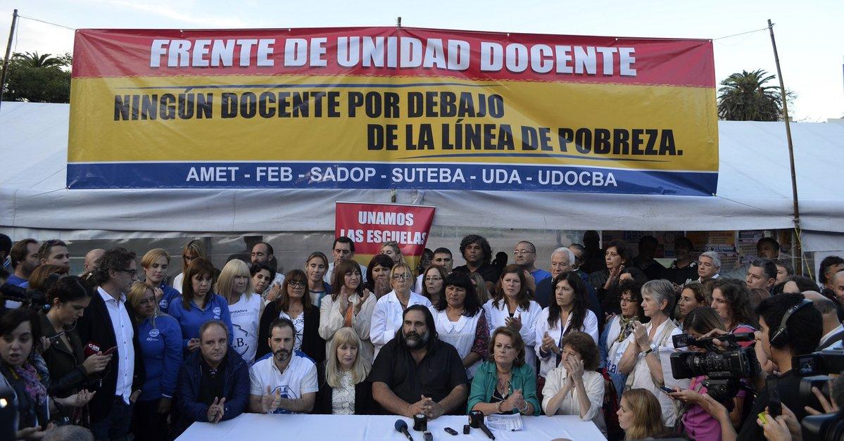 Los docentes bonaerenses cobrarán abril sin suba salarial y sin descuentos