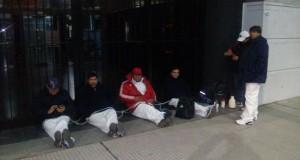 Urgente: Delegados de Cresta Roja se encadenan en Trabajo