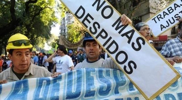 Casi dos millones de trabajadores bonaerenses temen perder su empleo