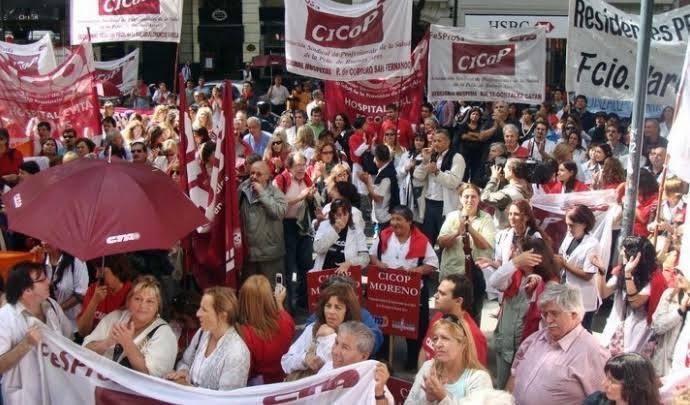 Los médicos preparan una caravana en protestar por la falta de respuestas de Vidal