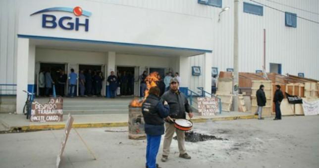 BGH y otros 15 despidos