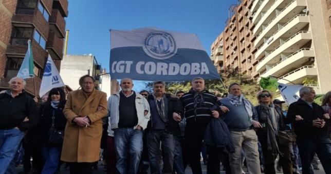 Córdoba declaró servicio esencial al transporte y restringe el derecho de huelga